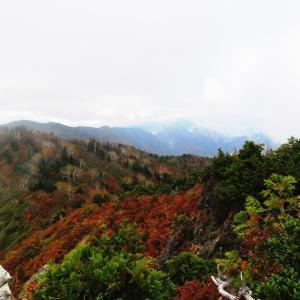 紅葉真っ盛り 野谷荘司山 (1,797.3M)    登頂 編 PART 1