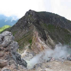 岩場を下る 日本百名山 焼岳 (2,455,4M)     下山 編