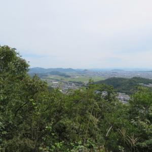 360度の展望を楽しむ 三峰山 (245M)   山頂 編