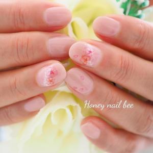ふんわり優しい桜ネイル