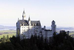 ⦿ドイツ「ノイシュバンシュタイン城」での一枚