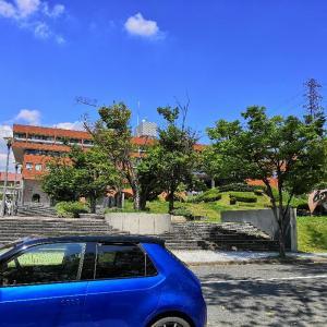 大阪大学本部前は石垣島の色合い #Hondae #EV