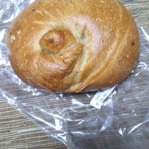 カリンベーグル 珈琲チーズケーキとラムマロンイチジク