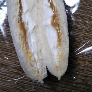 ランチパック キャラメルクリーム&わたぼく牛乳入りホイップ