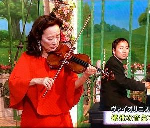 松本和将さんが伴奏を