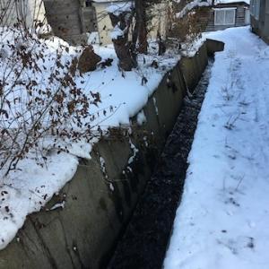 緑1丁目を流れる小さな川は「商大の沢川」〜あれ?小樽商大への地獄坂の道路沿いに流れる川も!?