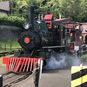 再開後の小樽市総合博物館本館で蒸気機関車アイアンホース号が元気に走ってました〜当面は乗客を乗せずに運行の様子を見学