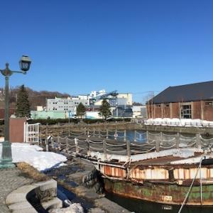 ニュースより/小樽運河に残る最後の艀(はしけ)が撤去へ