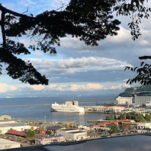 久しぶりに水天宮から小樽港を眺める