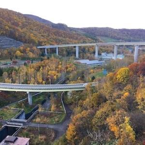 朝里ダムと朝里ダム記念館からループ橋とオタルナイ湖周辺の紅葉(10月24日の様子)【小樽の紅葉2020】