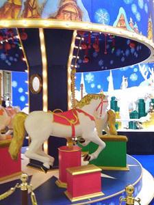 室内 merry-go-round