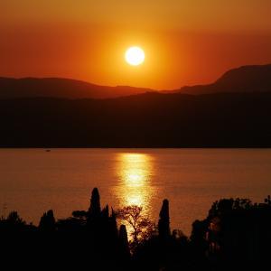 W・北イタリアの旅、シルミオーネの夕暮れ