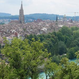 スイスの首都ベルン(Bern)はクマ(ベーアBär)の都