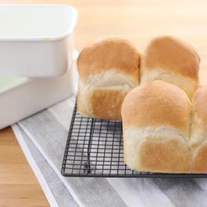 久々に無印良品琺瑯でミニ食パン♪