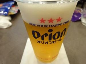 那覇空港 JALラウンジでオリオンビールを頂きました
