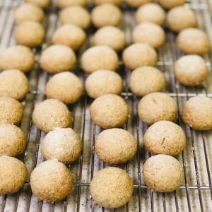 ★兵庫県産丹波黒豆きな粉米粉クッキー焼きあがりました。