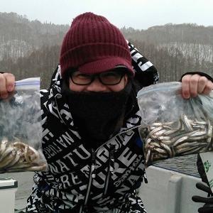 風来坊の桧原湖ワカサギ釣り!只今、営業中です♪