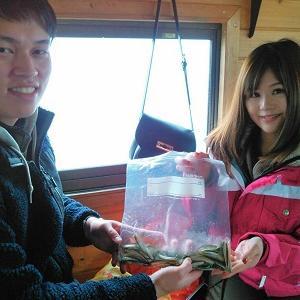 船内はぽっかぽっか!爽やか新婚さんの風来坊で初桧原湖ワカサギ釣り♪
