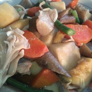 こんにゃくと野菜の煮物