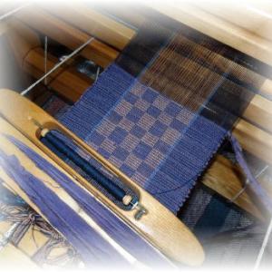 ◆ 網代模様で織っています……◆