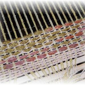 ◆ 2枚目を 織り始めました……◆