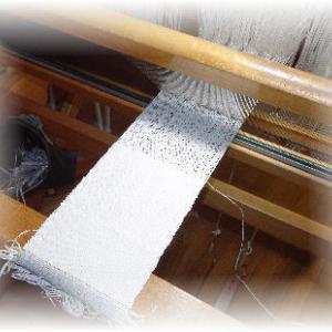 ◆ 紙糸……まずは試し織り ◆