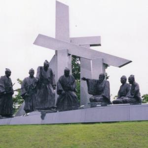 ●感動の銅像群その2 迫力ある米百俵の像をまず…