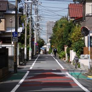 焦点の定まらない午前中の原宿から渋谷への道中。