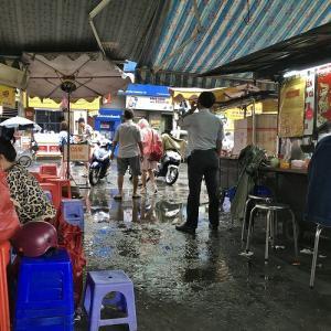 ◎タンディン市場で雨降ってイイもの見つけた。