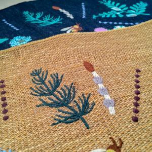 ◎新作『春の庭』刺繍は、夏に出来上がりそう。