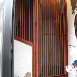 猫の玄関脱走防止扉の完成