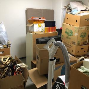 【整理収納実例】二つの物置部屋、リフォーム前にモノを減らしたい