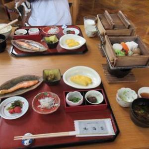 6月3日 家族旅行 松坂わんわんパラダイスの朝食