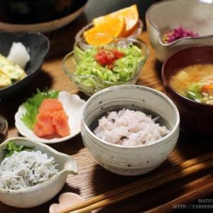 【ご飯を炊いた朝のお楽しみ ~ 柴漬け納豆とジャコチャージと、ついでに納豆薬膳と。】