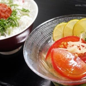【クールダウンレシピ】冷凍きゅうりでキュウリビズ ~ きゅうりとトマトの冷たいお吸い物。