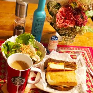 贅沢サンドウィッチな朝食