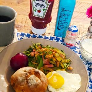ワシャワシャサラダが恋しくなってきた朝食