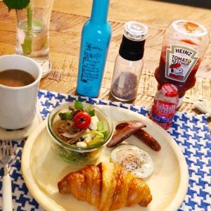 クロワッサンな朝食と雪が遅くて助かってます(﹡ˆᴗˆ﹡)