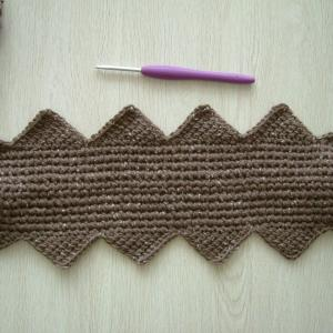 ツィードで編むブロックアフガンクロッシェ・三角から編む。