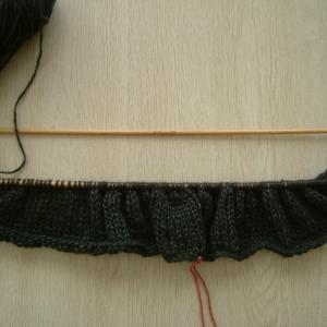 次作品、後ろ身頃を編み始める!
