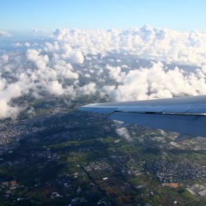 次男坊のために羽田へ その2 JAL900便からの撮影