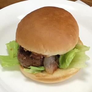 飛騨牛のハンバーガー & 文の助茶屋のみたらしだんご