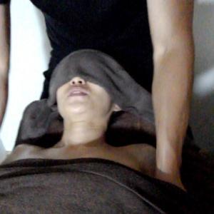 美人モデル殺到!男性セラピストのアロママッサージで女性を癒しましょう!