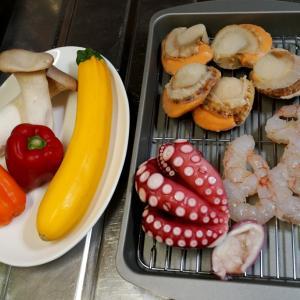 魚介のパスタとローストビーフサラダ