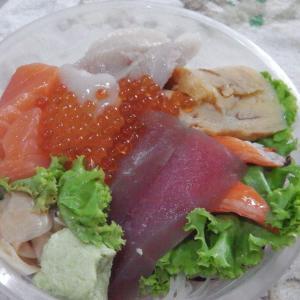 オンヌット屋台村で海鮮丼をテイクアウト