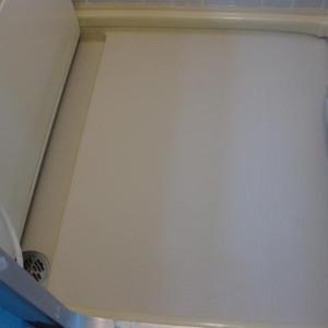 浴室の床をリメイク!シートを貼ってミタ。