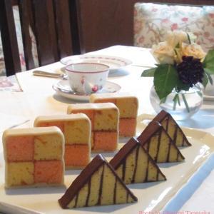 ♪英国菓子「バッテンバーグケーキ」を習いました♪