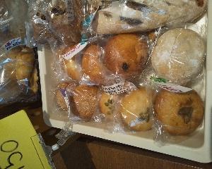 金曜は自家製天然酵母パン販売