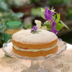 ラベンダーヴィクトリアサンドイッチケーキ♡でガーデンティータイム