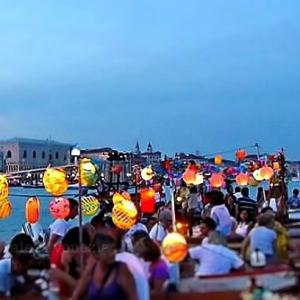 プチロックダウンagain?!なヴェネツィアの市民しか予約出来ない花火大会とグリーンパス